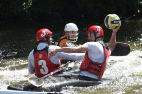 COMPETITION KAYAK POLO